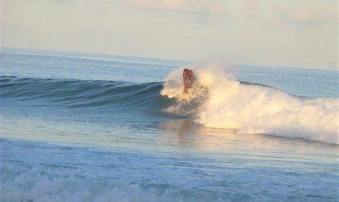 モルディブサーフィン